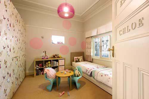 светлое оформление стен в детской 6