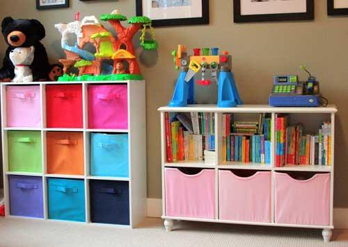 Планировка детской комнаты для двоих детей: хранение игрушек 3