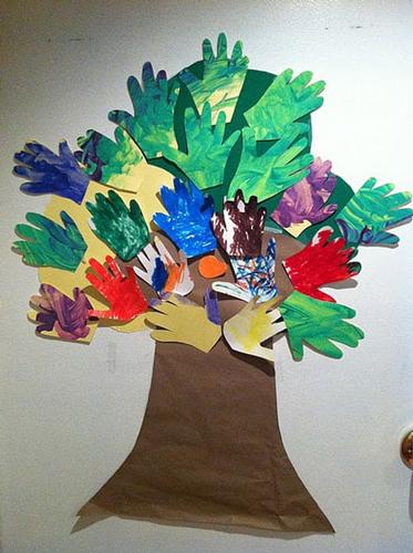 поделка дерево из цветной бумаги для детей 4