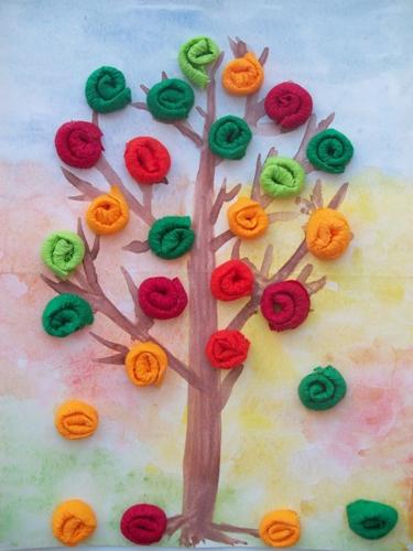 поделка дерево из цветной бумаги для малышей 2
