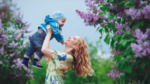 идеи для семейной фотосессии с детьми в сирени