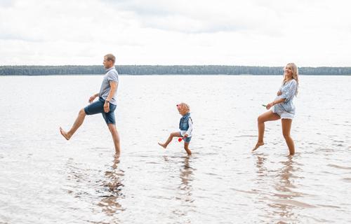 идеи для семейной фотосессии с детьми на море