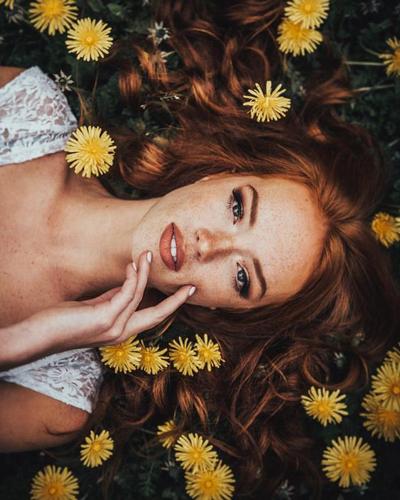 идеи для фото в одуванчиках весной для девушек