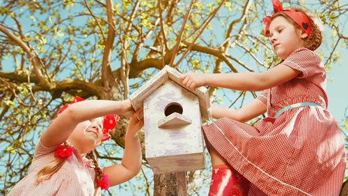 идея для семейной фотосессии весной 2