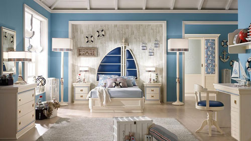 классическая детская комната для мальчика в морском стиле