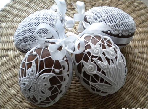 оригинальные идеи покраски яиц на Пасху: с помощью сахарного сиропа 2