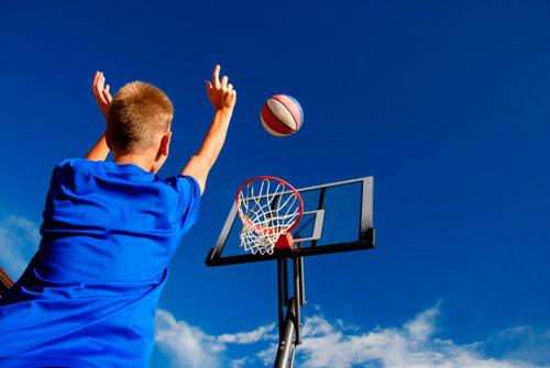 Загадки про спорт для детей: баскетбол