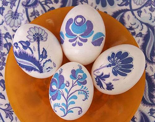 Красим яйца на Пасху: оригинальные идеи с помощью салфеток 2
