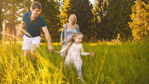 идея для фотосессии летом для семьи
