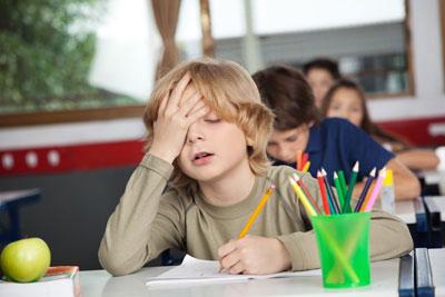 родители заставляют ребенка учиться в школе