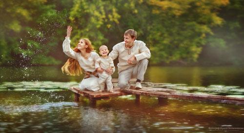 Семейная фотосессия летом: лучшие идеи у реки