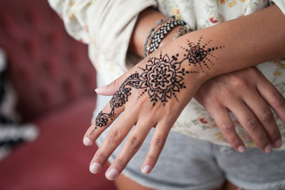 летняя татуировка хной махенди в домашних условиях