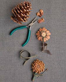 как сделать цветок из шишки