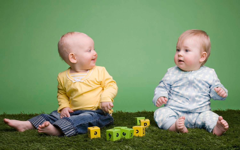 лучшие развивающие игрушки для ребенка в 10 месяцев
