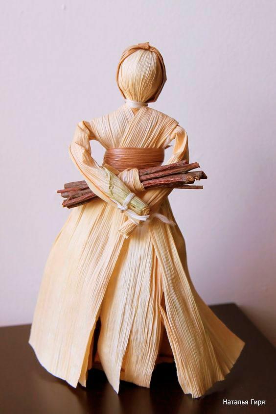 Куклы из сухих кукурузных листьев