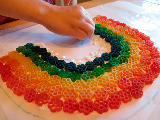 как сделать радугу из макарон