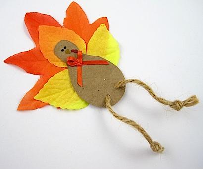 индюшка из листьев