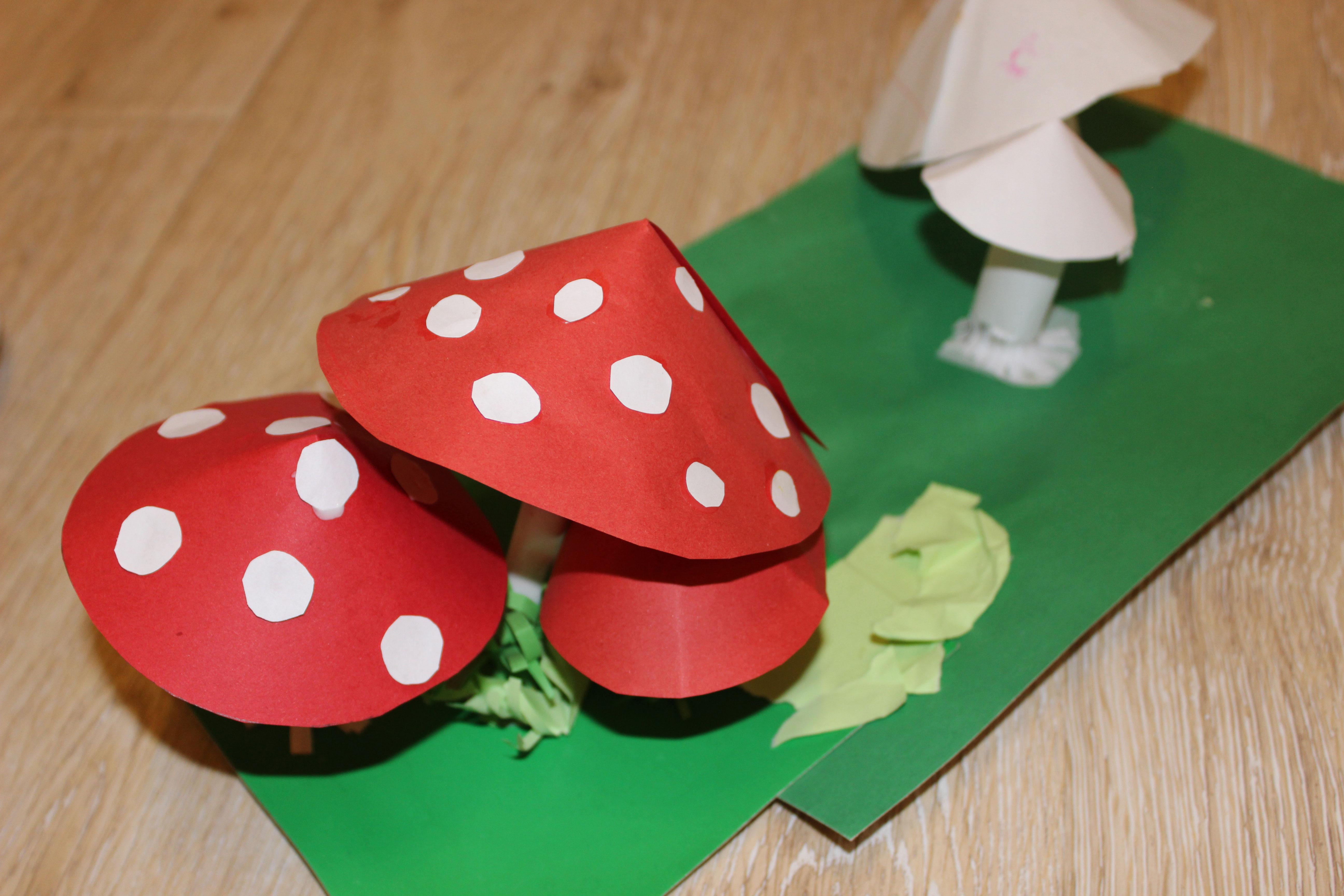 поделка грибы мухоморы