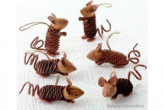 мышки из шишек