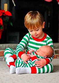 мальчик и малыш