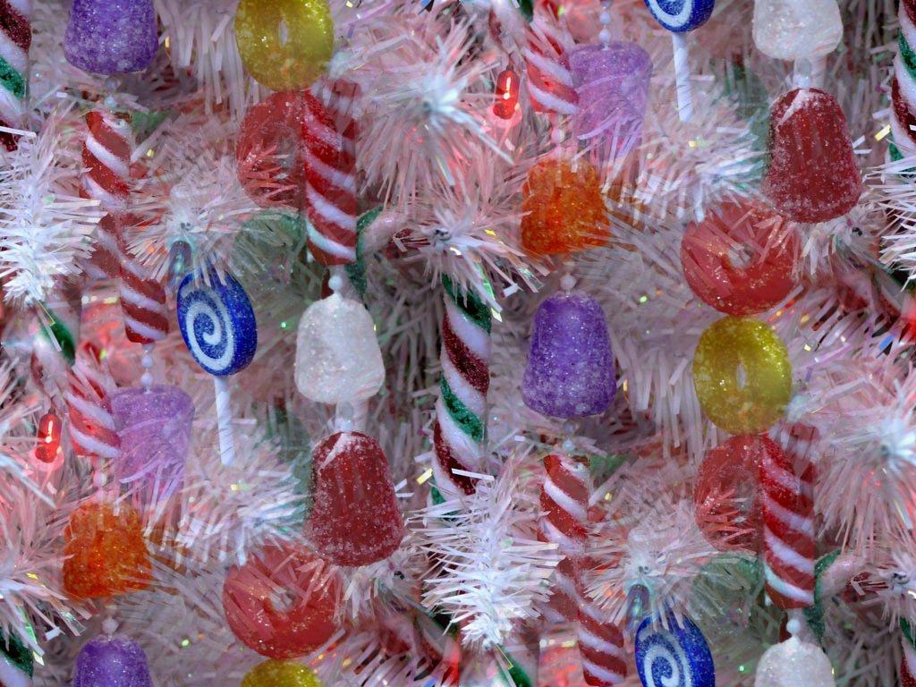 Украшение елки для детей сладостями