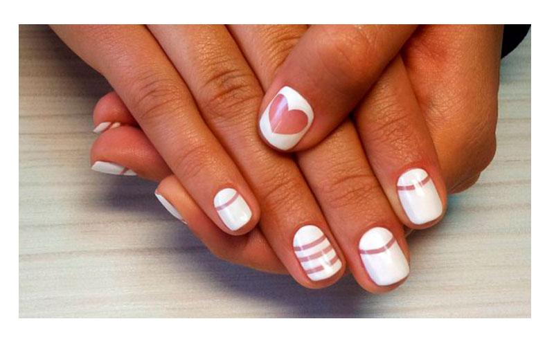 маникюр с полосками на короткие ногти