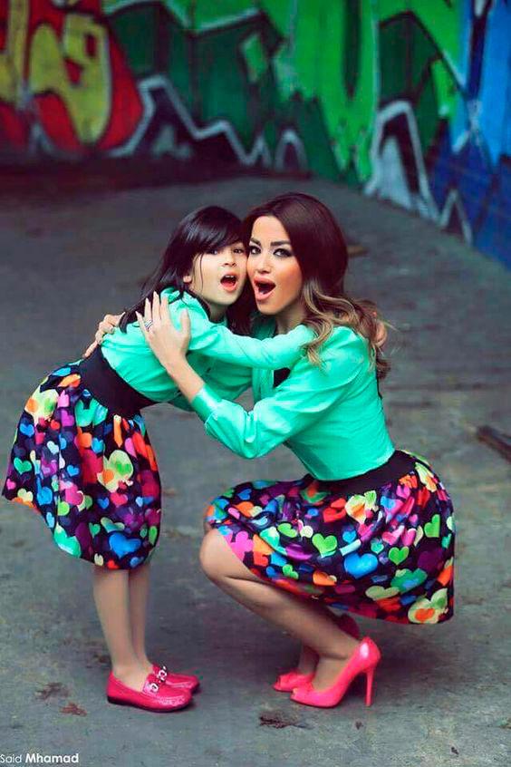 одинаковая одежда для мамы и дочки 8