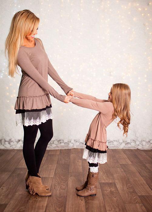 фотографии мамы и дочки в одинаковой одежде 7
