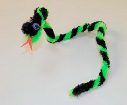 змея из пушистой проволоки