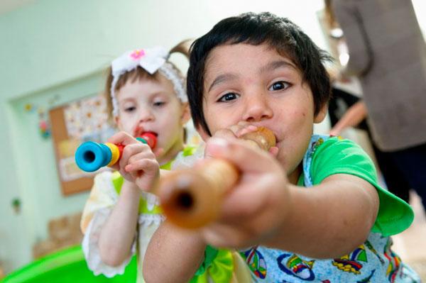 свистульки игра для развития речевого дыхания у детей