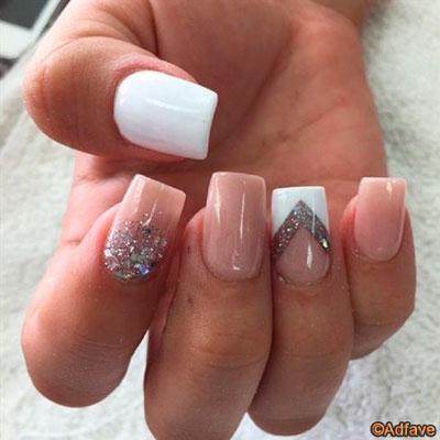 Узоры на ногтях большими блестками