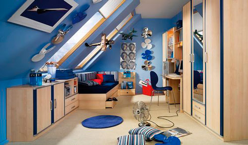 комната для мальчика на мансарде