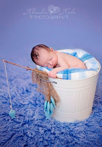 идеи для фотосессии новорожденных: ловля рыбы