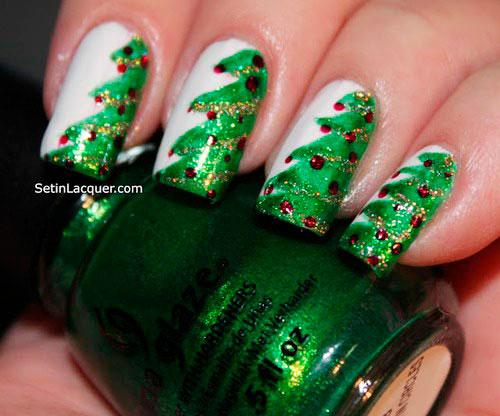 Новогодний вариант покрытия ногтей в изумрудном цвете 3