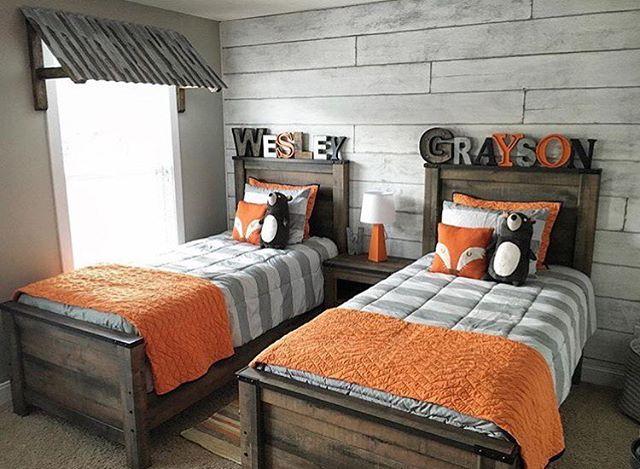 детская комната для двух мальчиков в оранжевом цвете