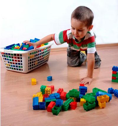 Как приучить ребенка складывать игрушки
