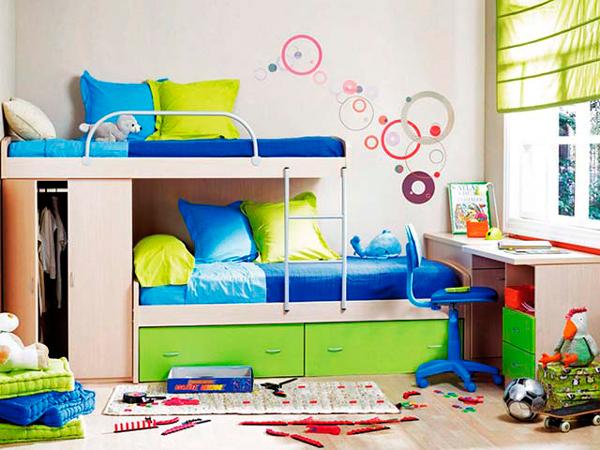 Дизайн детской комнаты для 2 мальчиков: двухъэтажная кровать