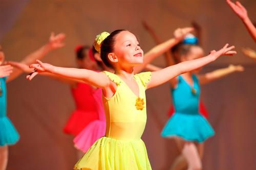 Стихи про танецы для детей младшего школьного возраста
