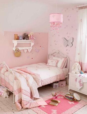 нежная розовая комната в стиле Прованс