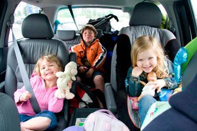 какую машину для семьи с тремя детьми лучше выбрать