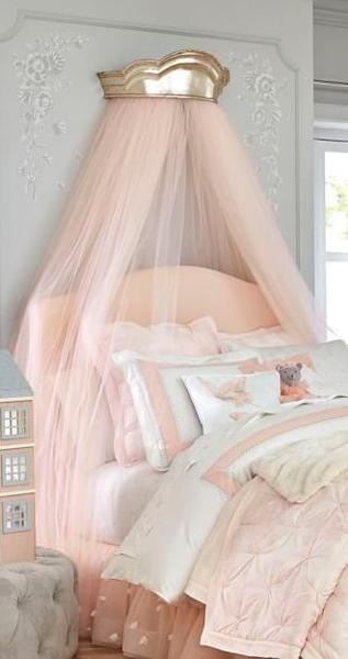 Балдахин в комнате девочки в стиле Прованс