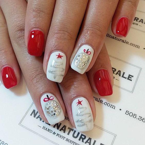 идеи дизайна ногтей на новый год: елочки и шары