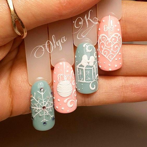 новогодний дизайн ногтей в пастельных тонах