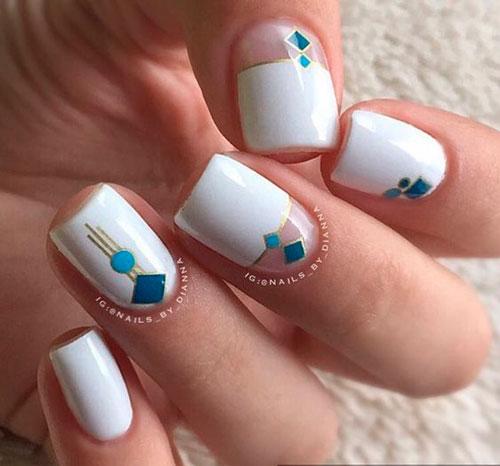 дизайн ногтей в белом цвете с розовым рисунком 4