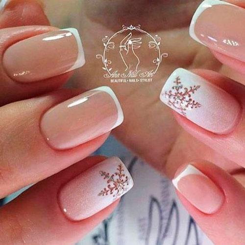 классическийдизайн ногтей с белыми снежинками