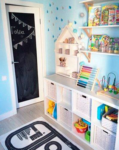 Как расставить мебель в детской комнате: хранение игрушек 3