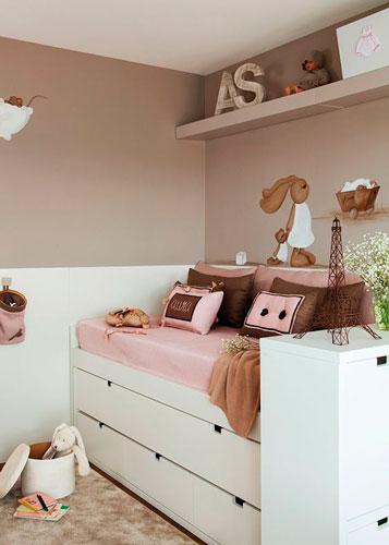 бежевая детская комната для маленькой девочки 8