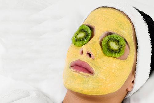 Как подтянуть овал лица в домашних условиях с помощью масок