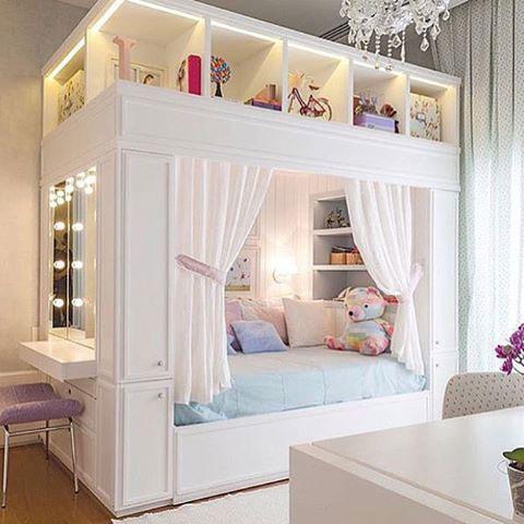 бежевая детская комната для маленькой девочки 7
