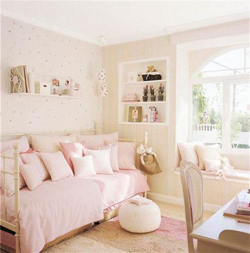 бежевая детская комната для маленькой девочки 5